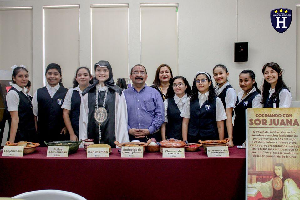 Sor Juana Inés de la Cruz en su presentación gastronómica en el Café Literario de Escuelas Secundarias Técnicas