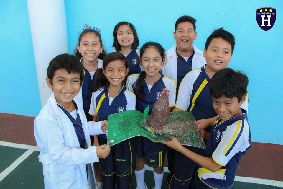 A través de un experimento, 5° Amatista aprende de los volcanes y como se distribuyen en el planeta