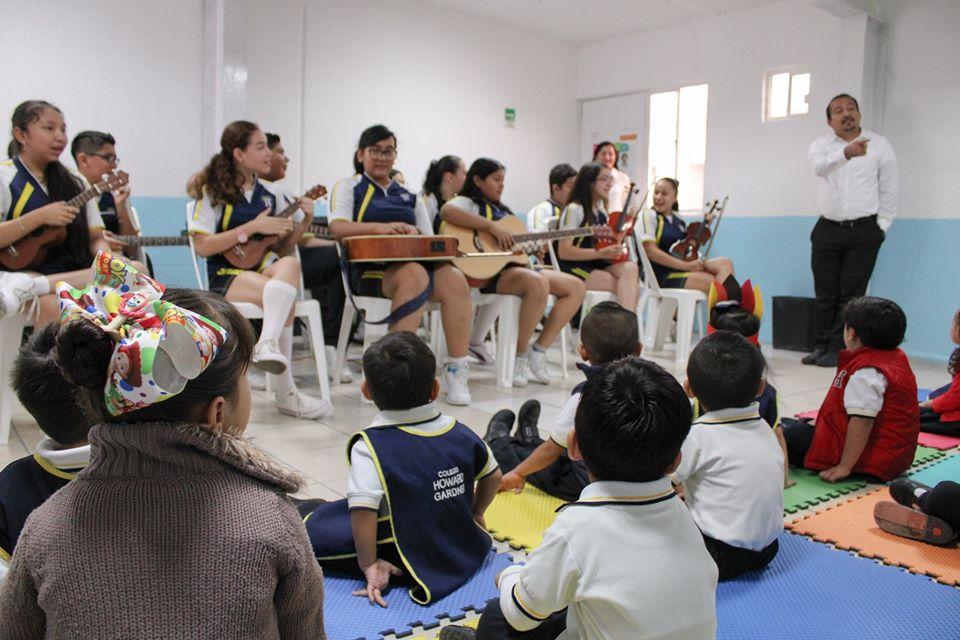Secundaria comparte una mañana musical con los pequeños de Preescolar
