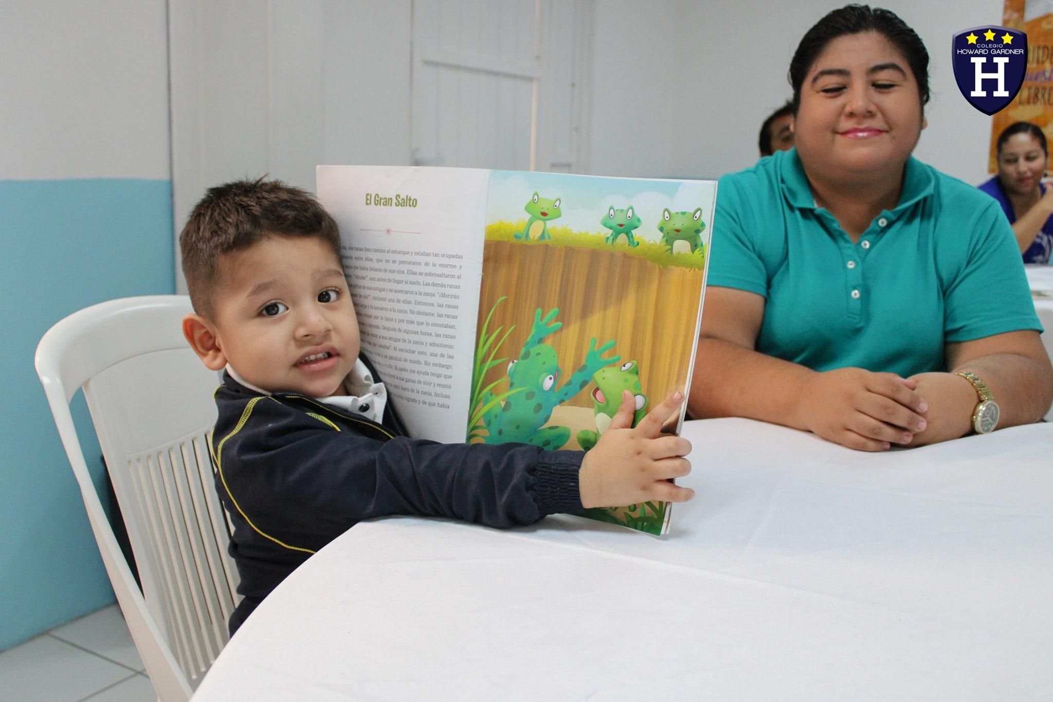 Los papitos de 1º Constellation ayudaron a nuestros pequeñitos con su habilidad lectora