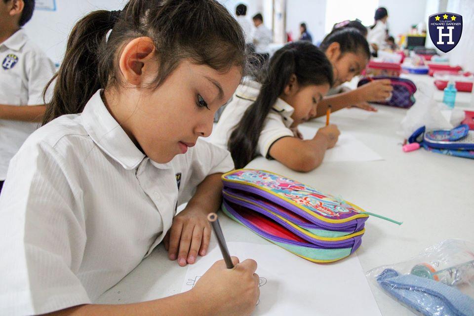Los alumnos de 2° Topacio aprenden a crear dibujos animados