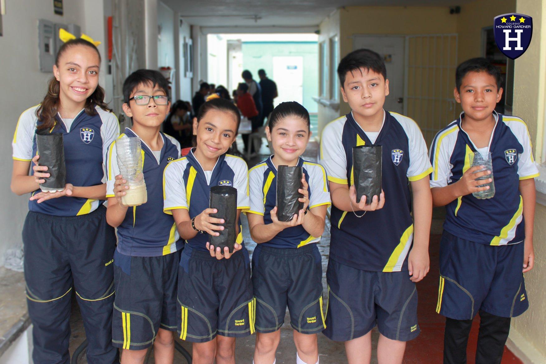 Alumnos de 6º en su proyecto de prevención del dengue