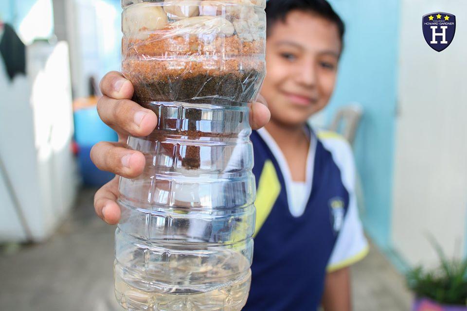 Nuestros alumnos de 6° Diamante construyen un filtro de agua